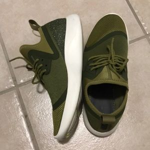 b565f1d6d207 Nike Shoes - Nike Lunarcharge Essential Olive Green